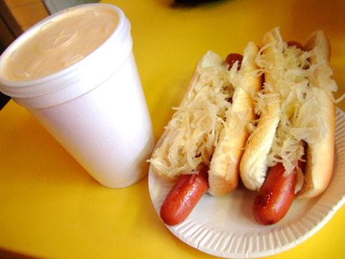Greys-Papaya-Hotdog.jpg